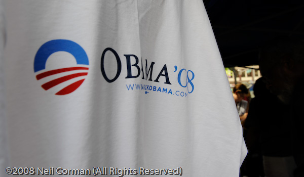 Shirts featuring Obama for sale at the Convention