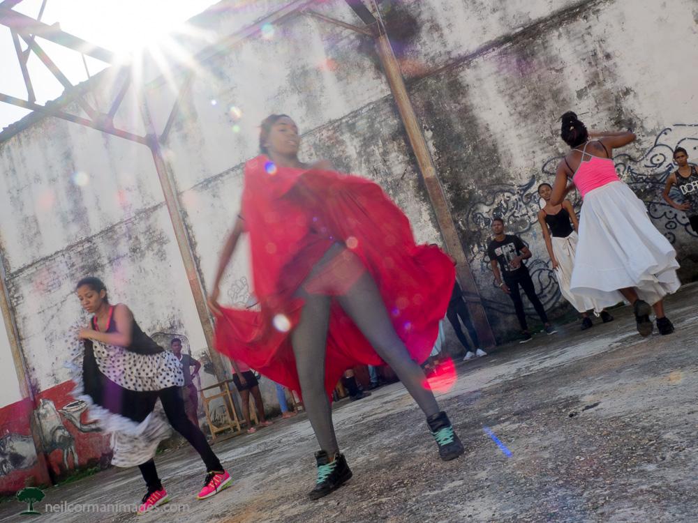 Dancers in Havana