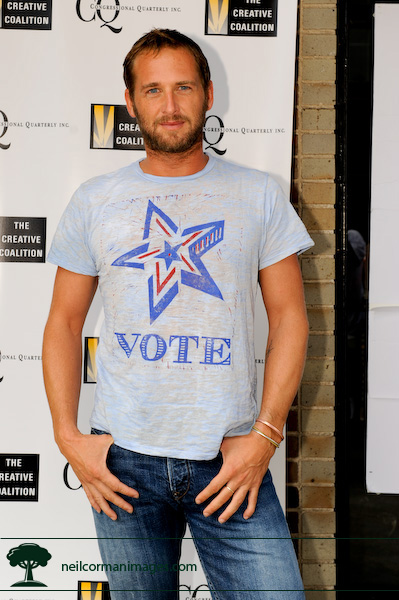 Josh Lucas showing off his Vote shirt during the Democratic National Convention