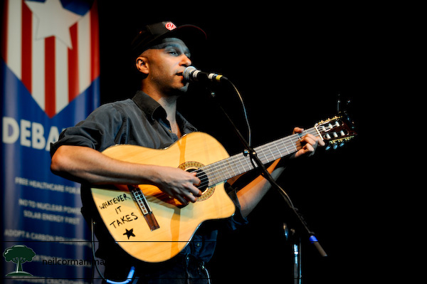 Tom Morello performs in Denver at the Ralph Nader Super Rally
